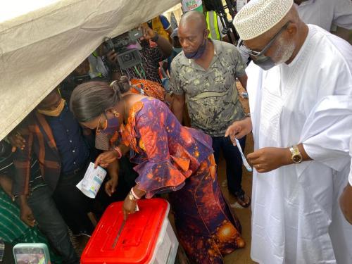 Akeredolu, wife revalidate APC membership in Owo