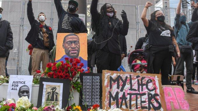 Minneapolis reaches 27-million-dollar settlement with Floyd's family