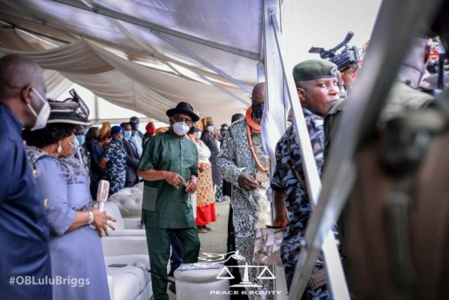 Family, kinsmen torn apart as Lulu-Briggs is buried in Abonnema; Jonathan, Wike, others pay last respect