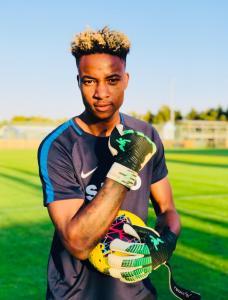 Nigerian teen goalie sensation Emmanuel James trains with Super Lig side