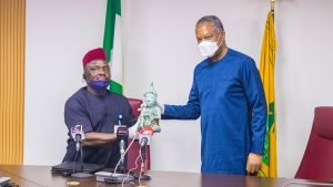 FG received a stolen Ile-Ife artifact from Mexico