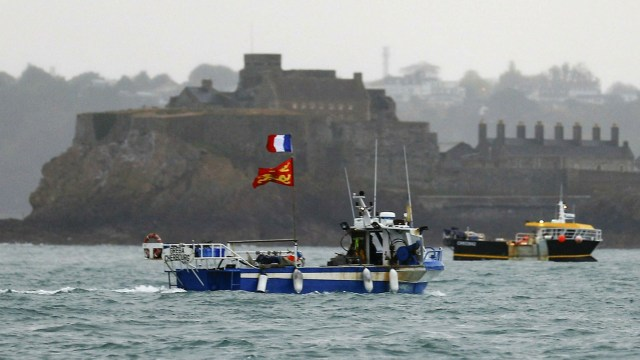 Jersey fishing row: EU accuses Britain of not respecting trade deal
