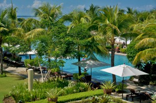 THE CRIMSON RESORT & SPA – MACTAN, CEBU – PHILIPPINES - Pool area