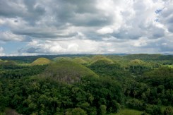 THE PHILIPPINES – A BACKPACKER'S GUIDE - The name chocolate comes the color of the grass in autumn
