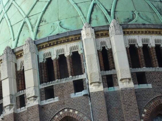 Detail van de koepel op de vieringtoren van de nieuwe Bavo te Haarlem