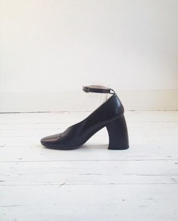 second hand Ann Demeulemeester black banana heel pumps (37.5)