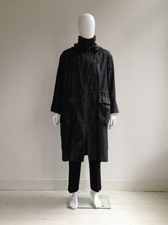 vintage Issey Miyake Windcoat black foldable parka