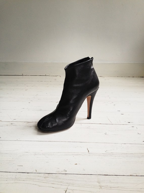 Maison Martin Margiela black tabi boots with stiletto heel 38 6613 copy