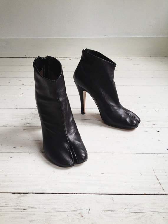 Maison Martin Margiela black tabi boots with stiletto heel 38 6721 copy