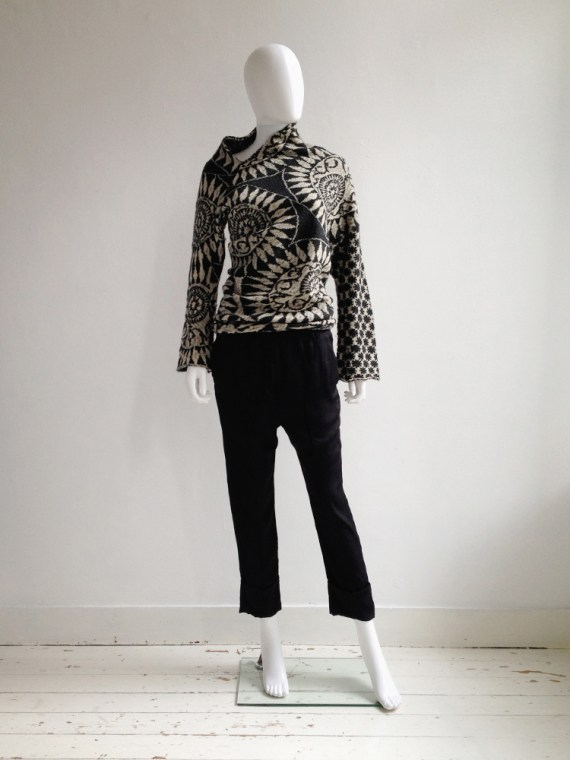 Dries Van Noten black and white deformed jumper 0477