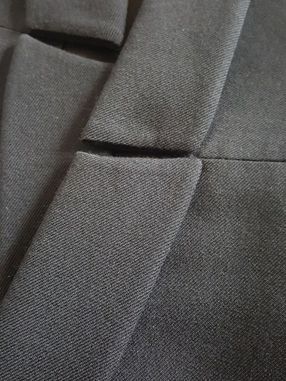 Ann Demeulemeester black blazer with cut panel runway fall 2011 _124555