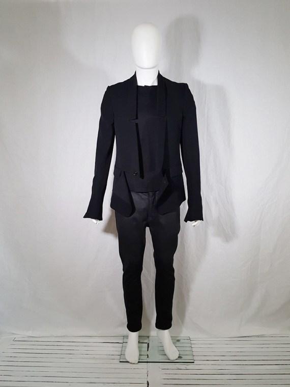 Ann Demeulemeester black blazer with cut panel runway fall 2011 _142338