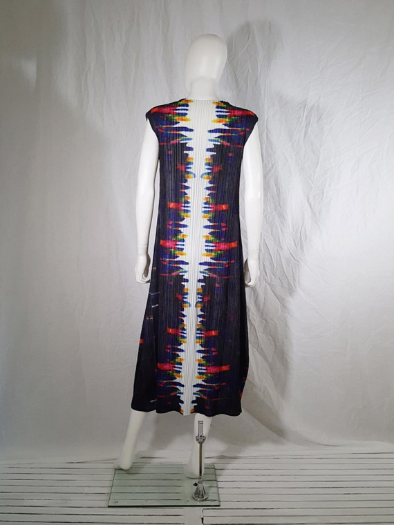 Issey Miyake printed pleated dress _144642