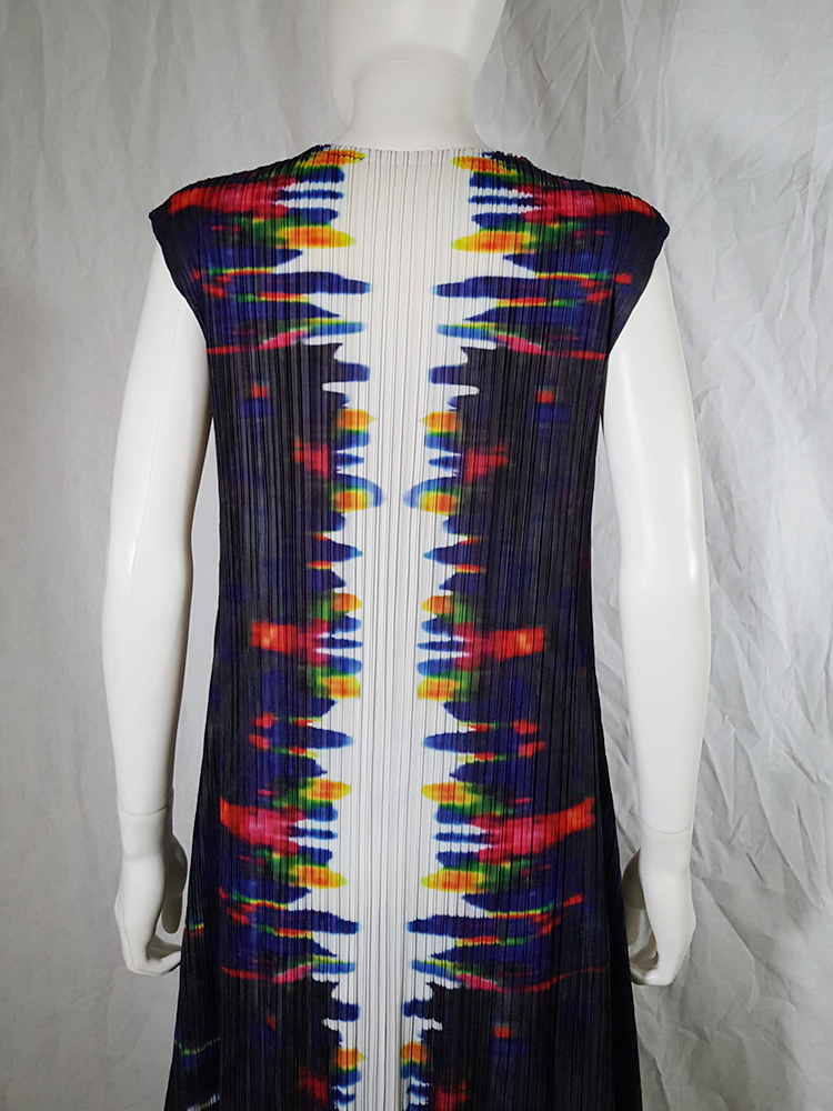 Issey Miyake printed pleated dress
