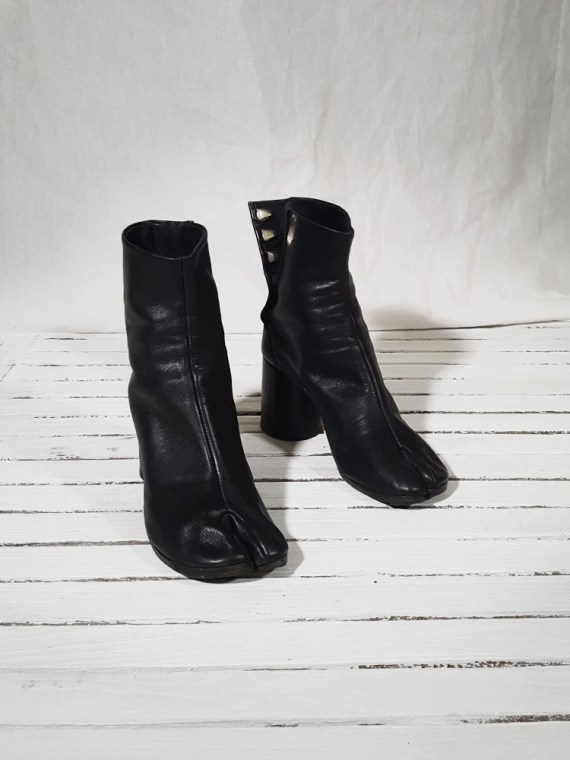 archive Maison Martin Margiela black leather tabi boots with block heel_151929
