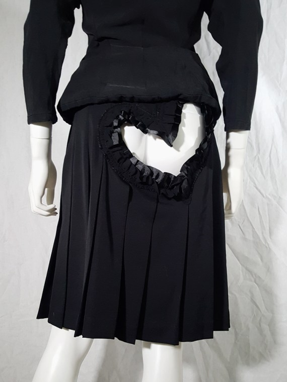 vintage Comme des Garcons black pleated skirt with ruffled hearts cut outs runway fall 2008_155933