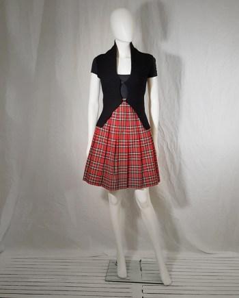 archive Maison Martin Margiela black scarf top 'Modèle Déposé' — fall 2004