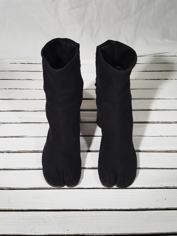 orginal 90s Maison Martin Margiela dark grey linen tabi boots with block heel