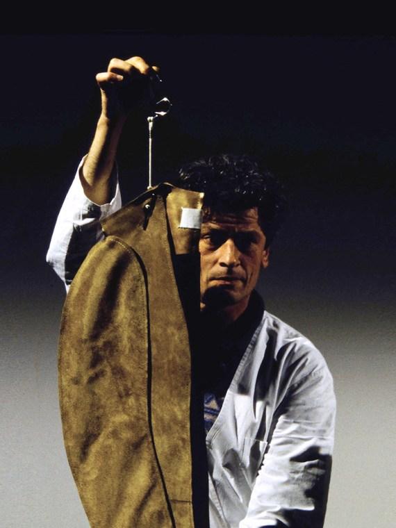 vintage Maison Martin Margiela beige leather flat jacket spring 1998 runway 2
