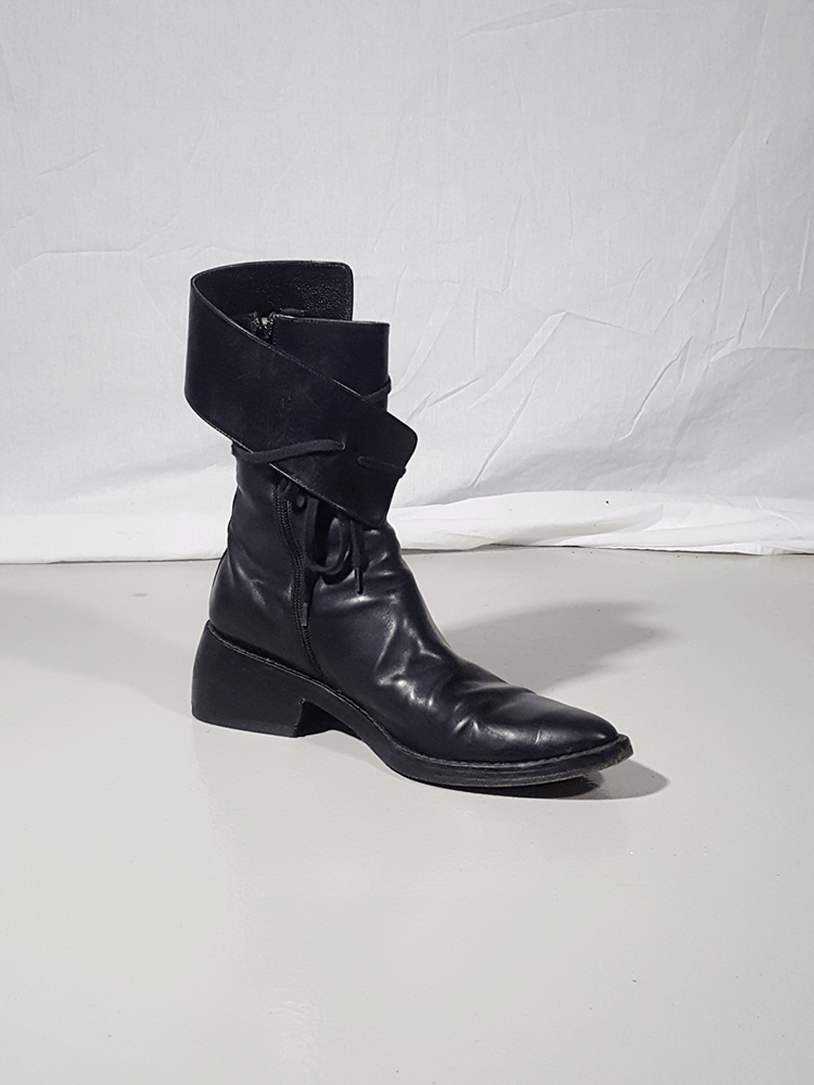 Ann Demeulemeester black pirate boots with curved heel (40)