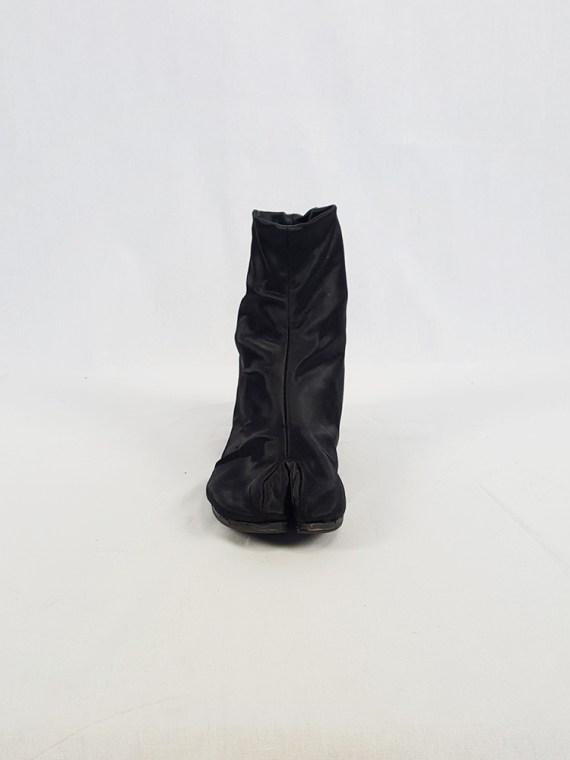 vintage Maison Martin Margiela black satin tabi boots with low heel fall 1998 105343(0)