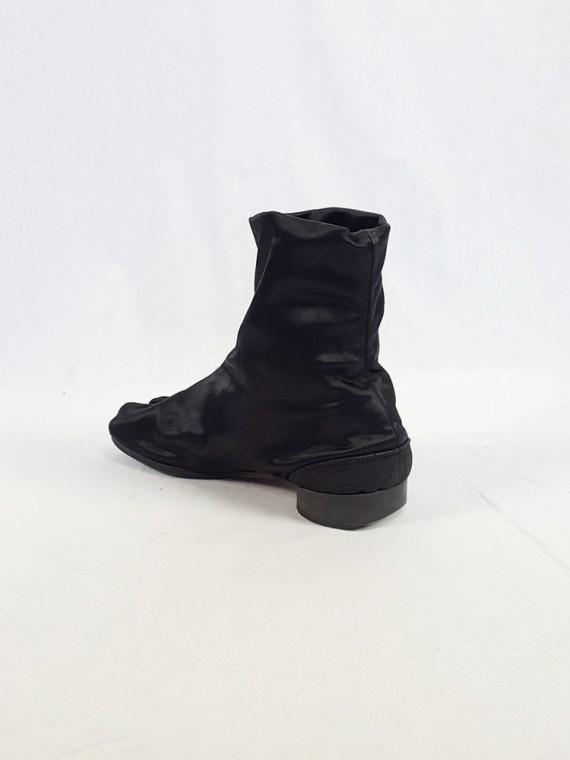 vintage Maison Martin Margiela black satin tabi boots with low heel fall 1998 105424