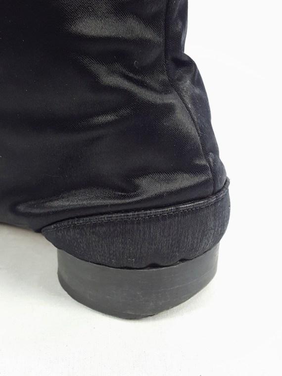 vintage Maison Martin Margiela black satin tabi boots with low heel fall 1998 105430