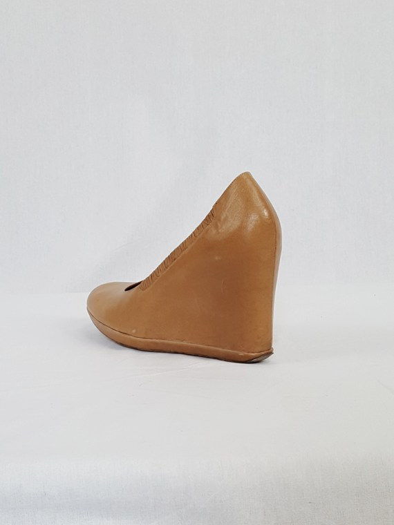 vintage Dries Van Noten beige wedges covered in one piece of leather 133250