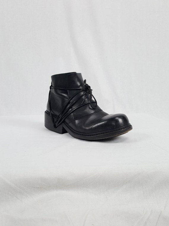 Dirk Bikkembergs black boots with laces through the soles (41) — late 90's