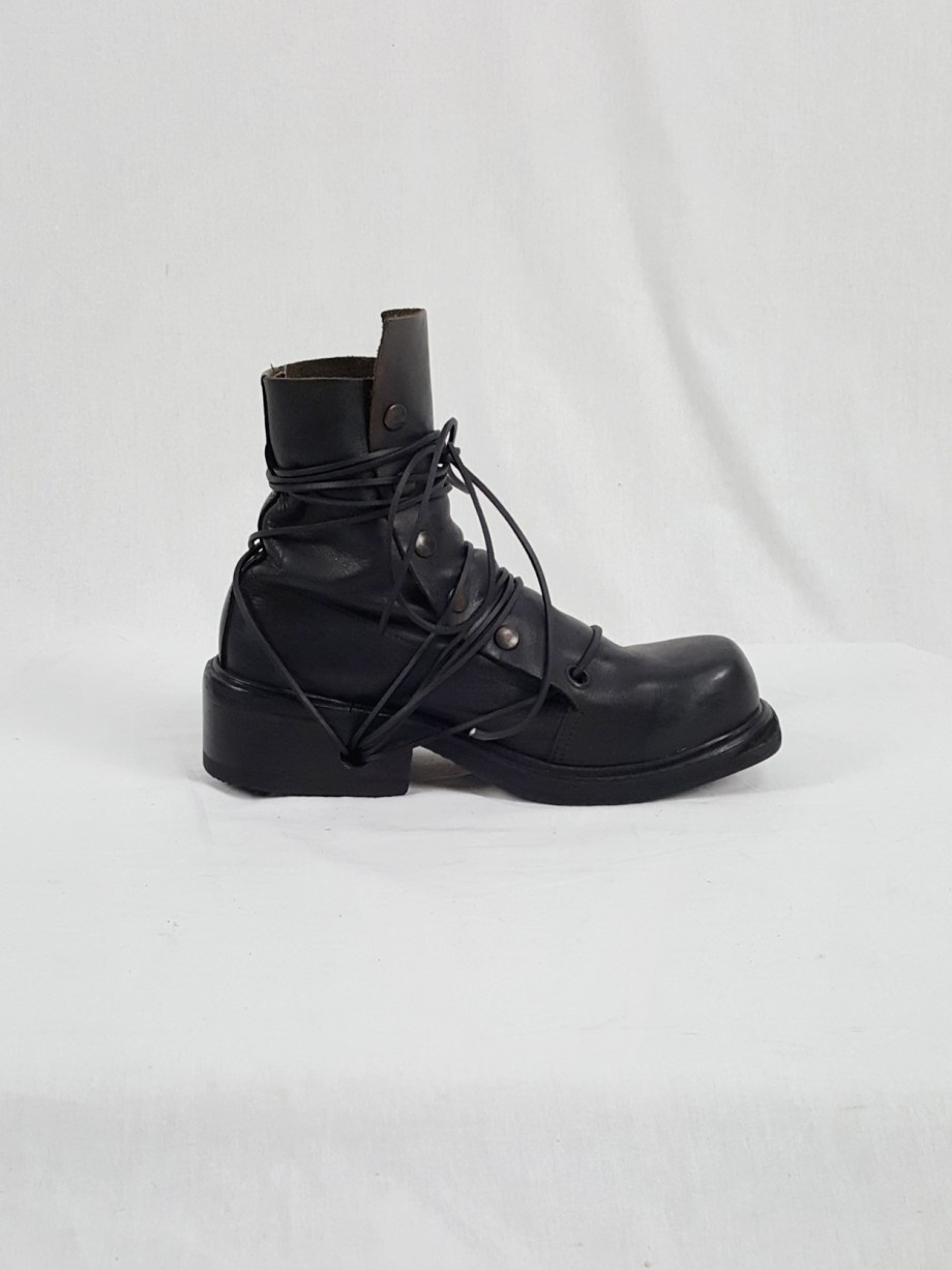 Dirk Bikkembergs black boots with snap button front and laces through the soles (42) — early 90's