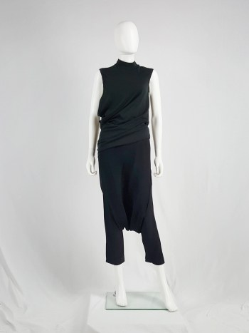 Comme des Garçons black top stretched out on one side — AD 1990