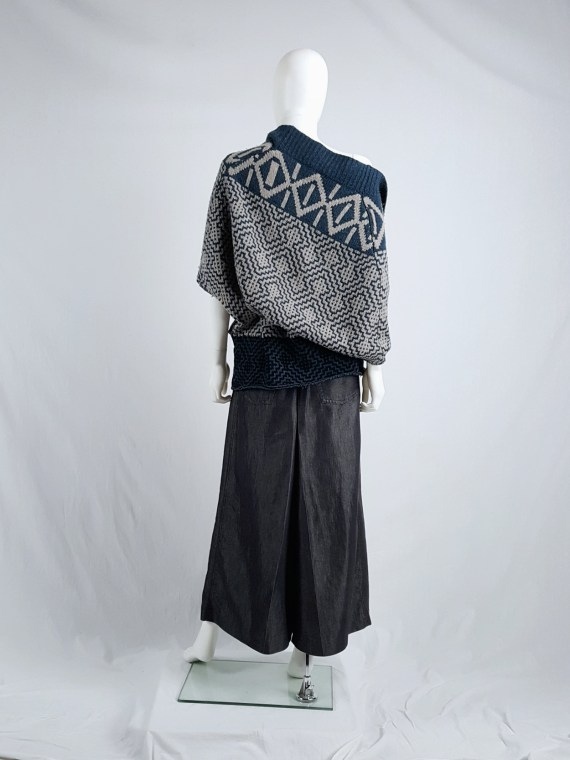 Dries Van Noten blue and beige knit top with geometric motif — fall 2004