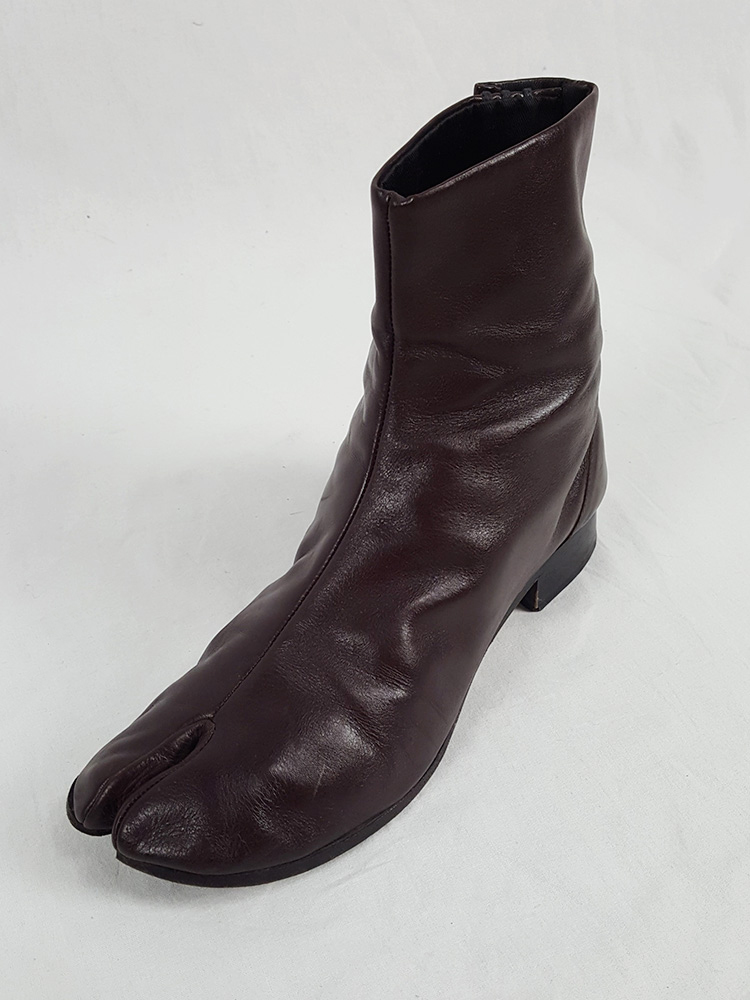 Maison Martin Margiela brown tabi boots with low heel (40) — fall 1998