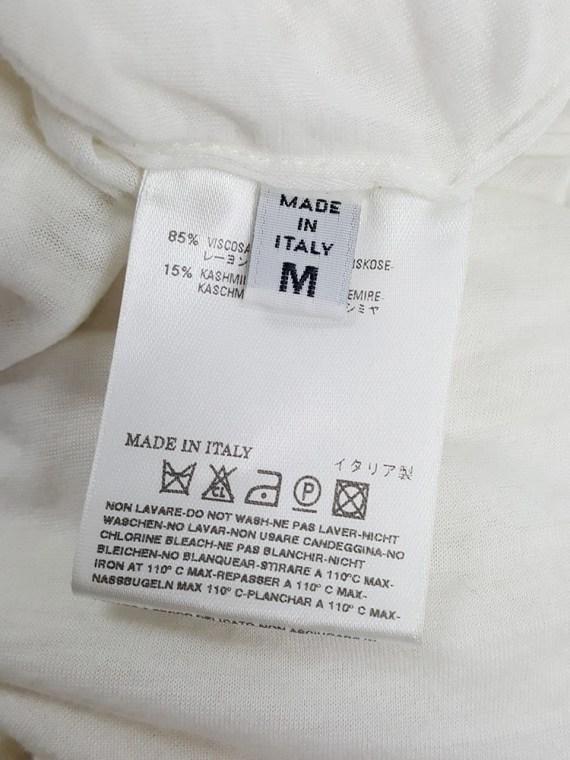 Maison Martin Margiela white t-shirt with hidden razor blade — fall 2007