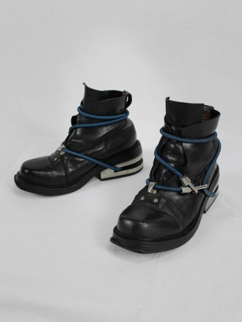 Dirk Bikkembergs black mountaineering boots with blue elastic (40) — late 90's
