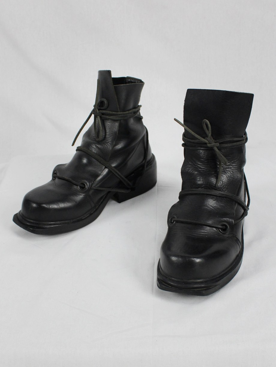 Dirk Bikkembergs black mountaineering boots with laces through the soles (40) — late 90's