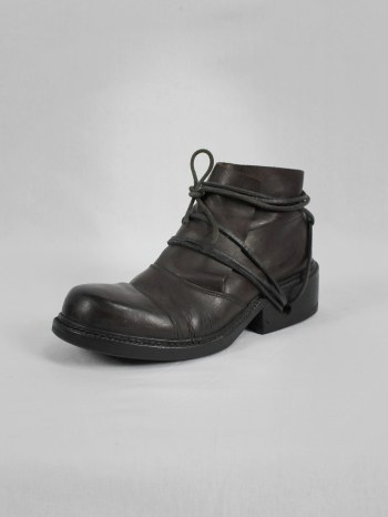 Dirk Bikkembergs brown boots with flap and laces through the soles (39) — late 90's