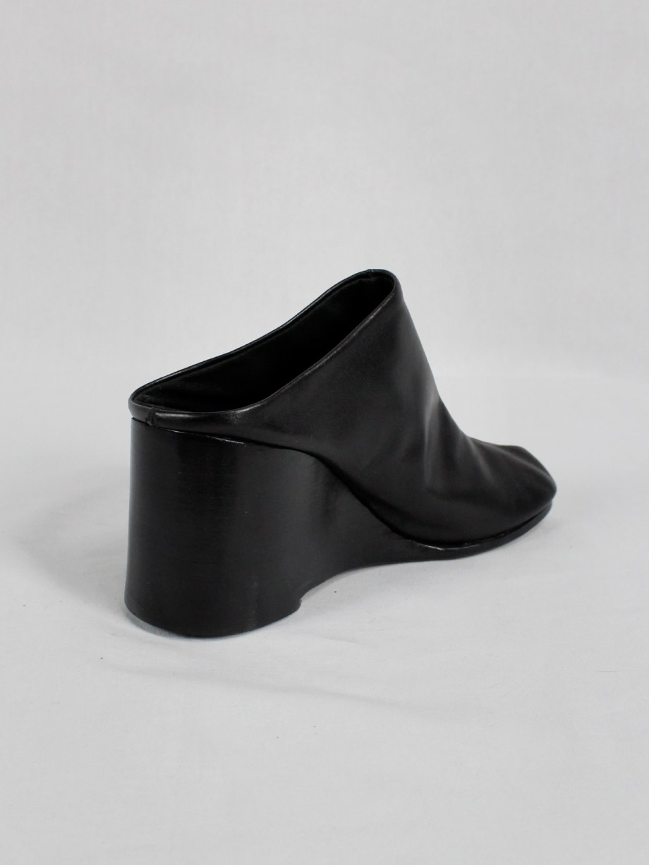 Maison Martin Margiela black tabi slippers with wedge heel spring 2002 (14)