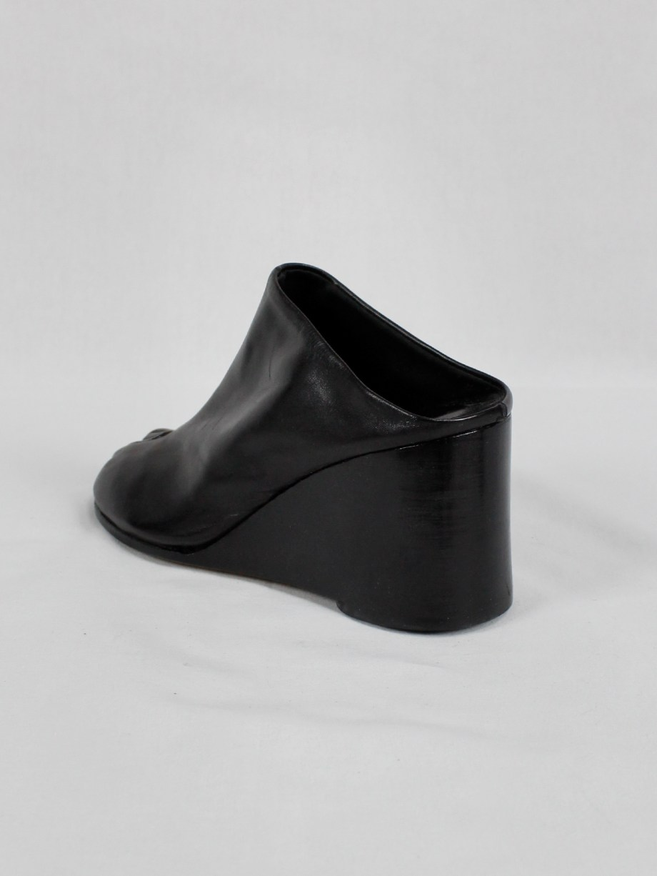 Maison Martin Margiela black tabi slippers with wedge heel spring 2002 (16)