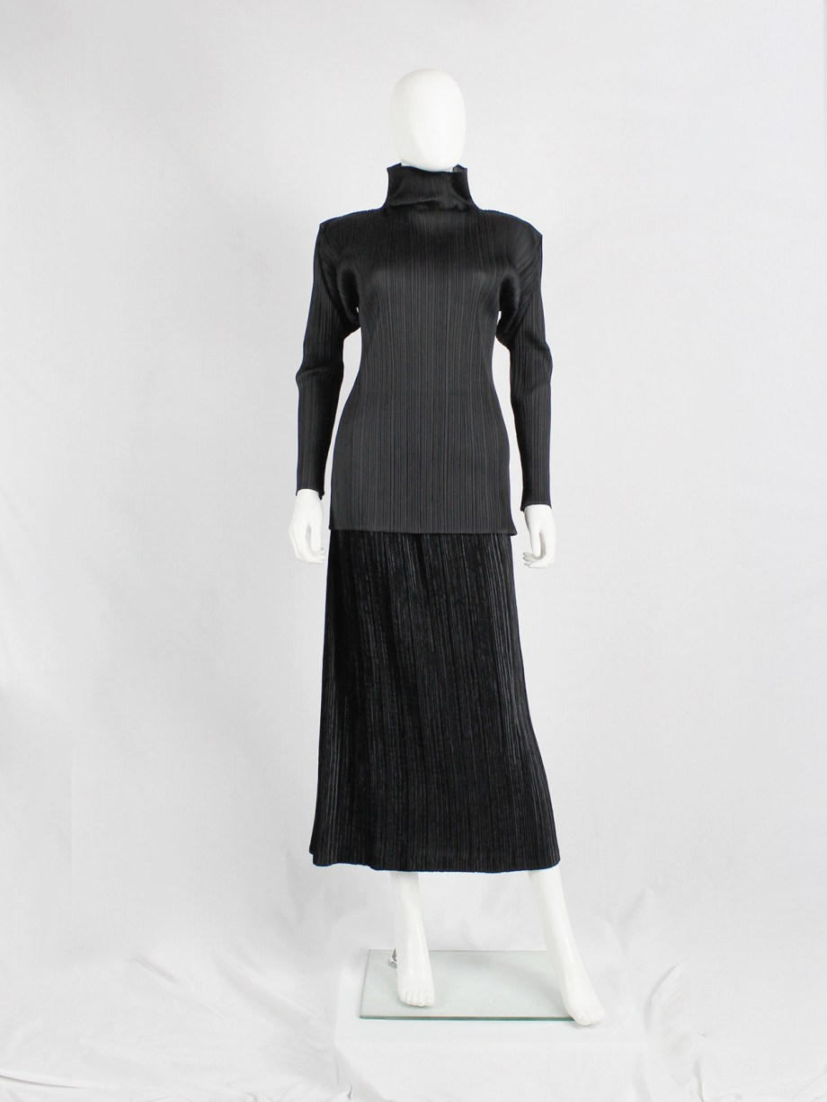 Issey Miyake Pleats Please black turtleneck jumper with square shoulders