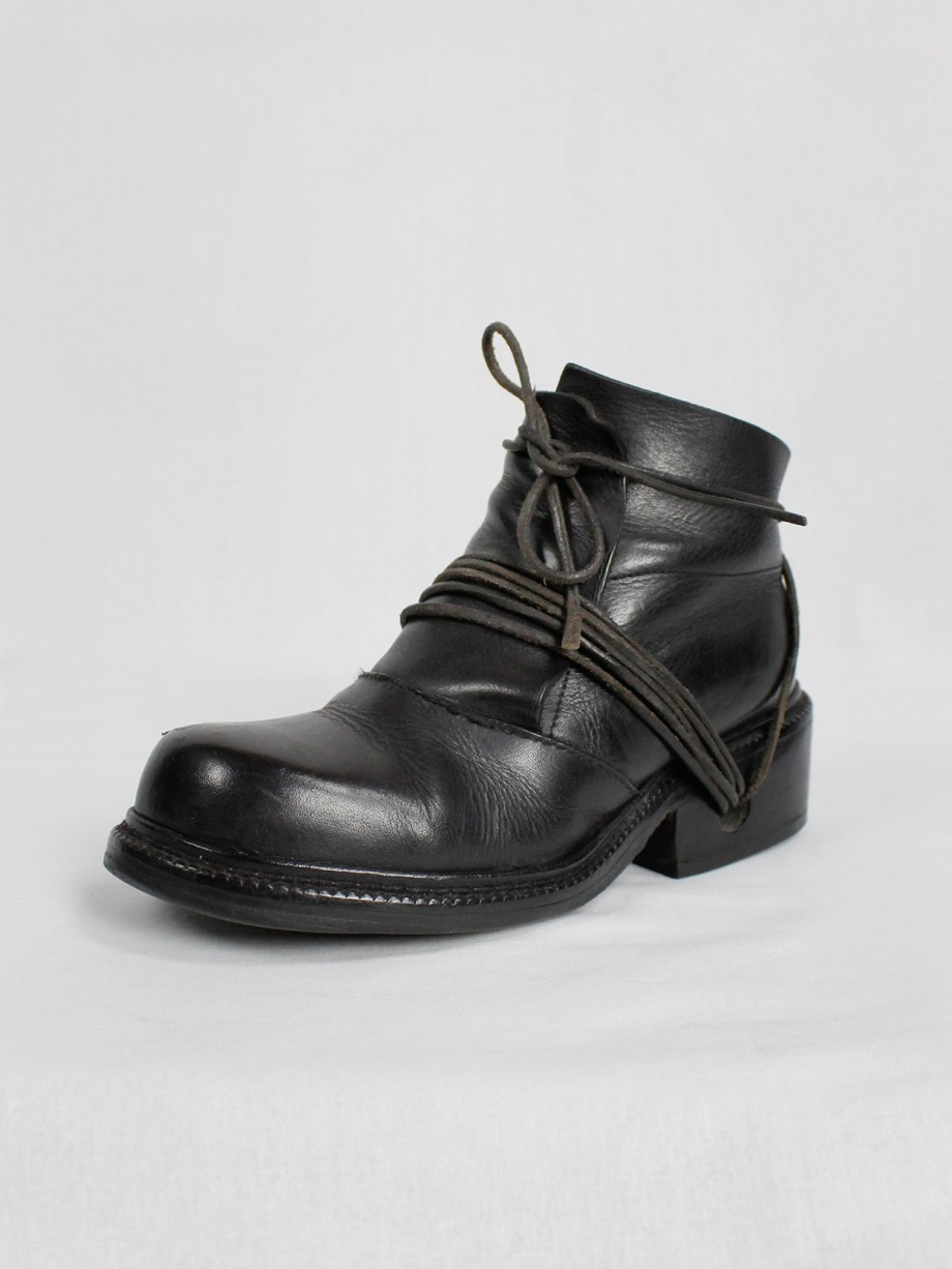 Dirk Bikkembergs black boots with flap and laces through the soles fall 1994 (16)