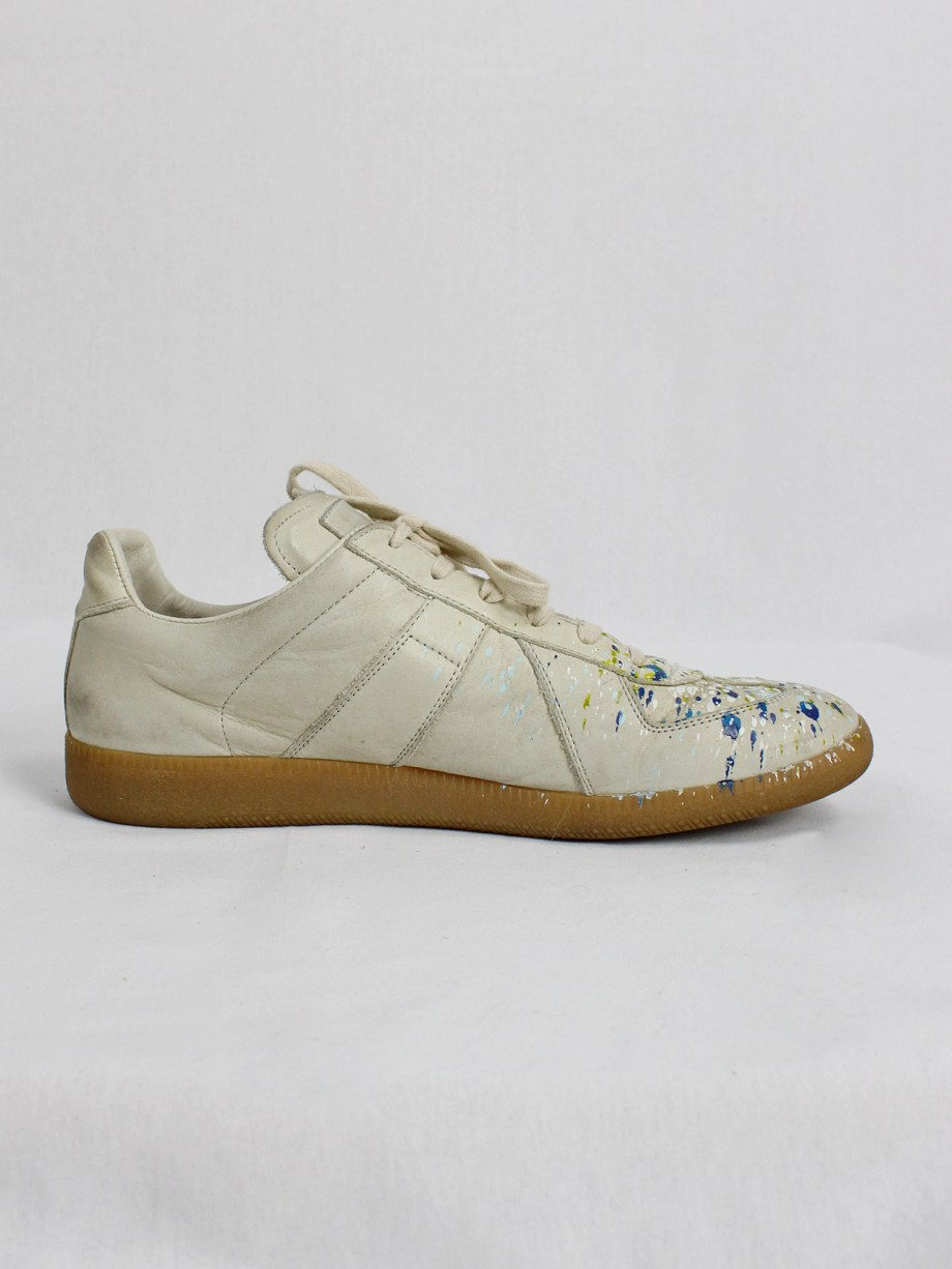 Maison Martin Margiela replica beige sneakers with paint splatters (44)