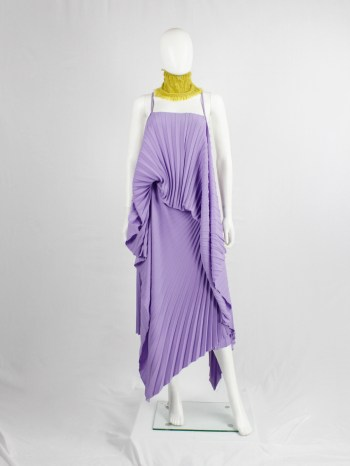 A.F. Vandevorst purple draped backless dress with accordeon pleats — spring 2008