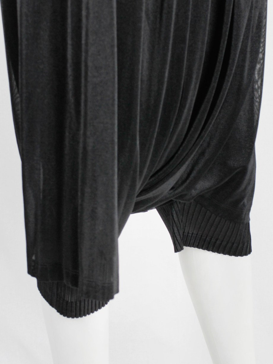 Issey Miyake black pleated sarouel trousers made of two different layers