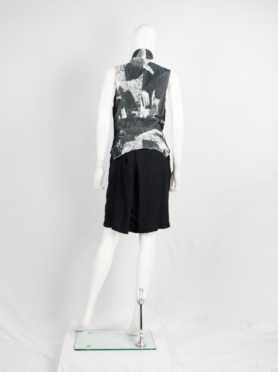 Ann Demeulemeester black and white bird print vest with standing neckline — spring 2010
