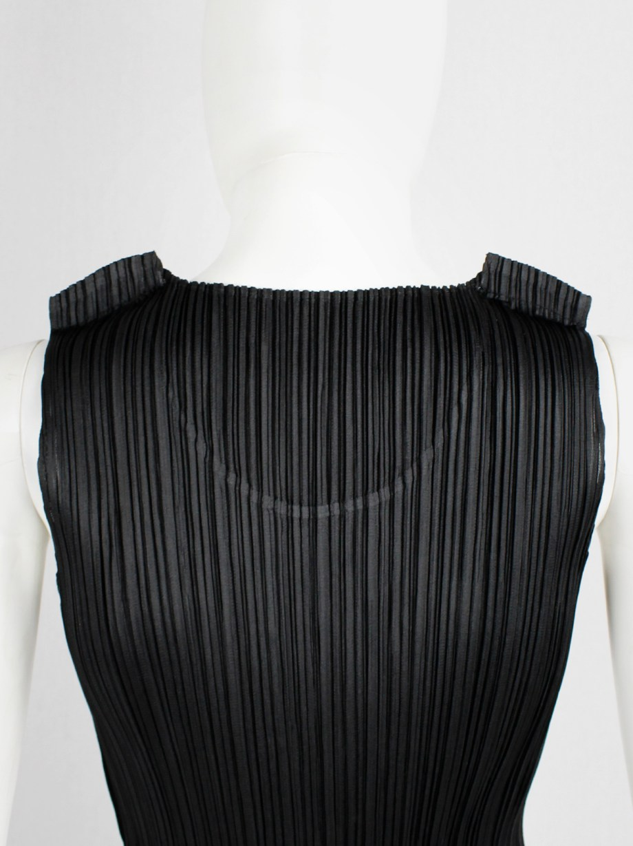 Issey Miyake Pleats Please black pleated sleeveless top with tucked shoulders