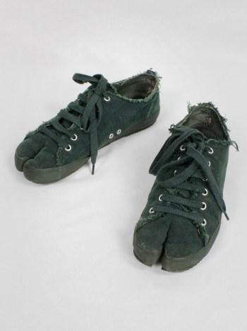 Maison Martin Margiela 6 moss green low-top tabi sneakers (36) — spring 2004