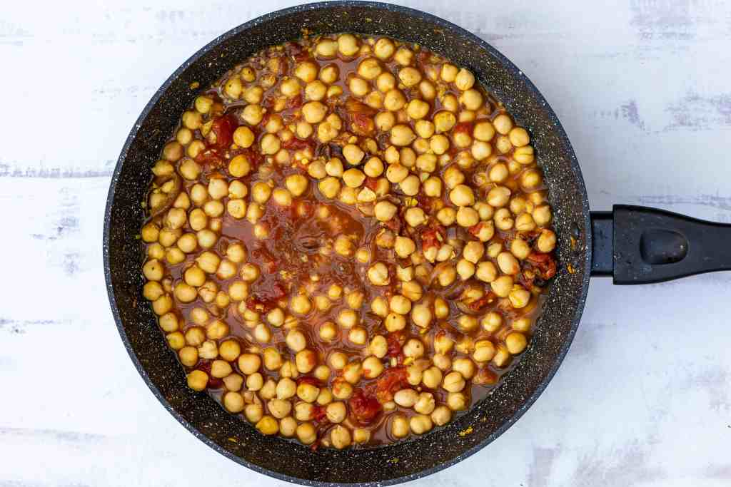 chickpea curry without spinach in large skillet