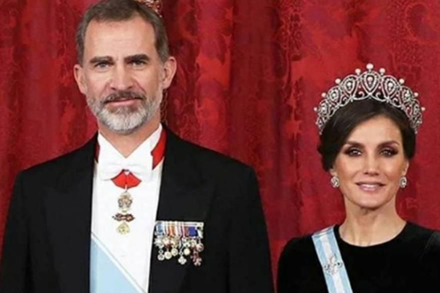 Sus Majestades Los Reyes-Su Majestad el Rey Felipe VI, la humanidad y el amor por su pueblo
