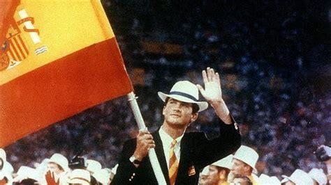 El entonces Principede Asturias, abanderado de España JJOO BArcelona 92